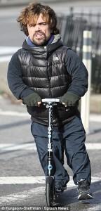 trottinette adulte stars Peter Dinklage